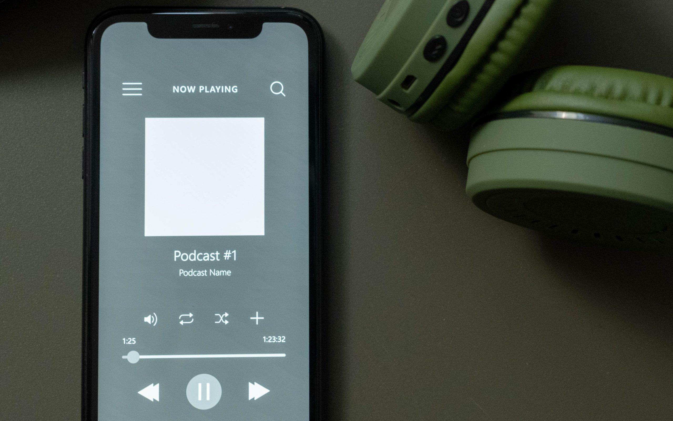 lecture d'un podcast sur un smartphone