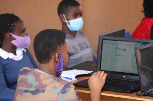 Article : Des collégiennes à la découverte du blogging au camp de Guerra Hub